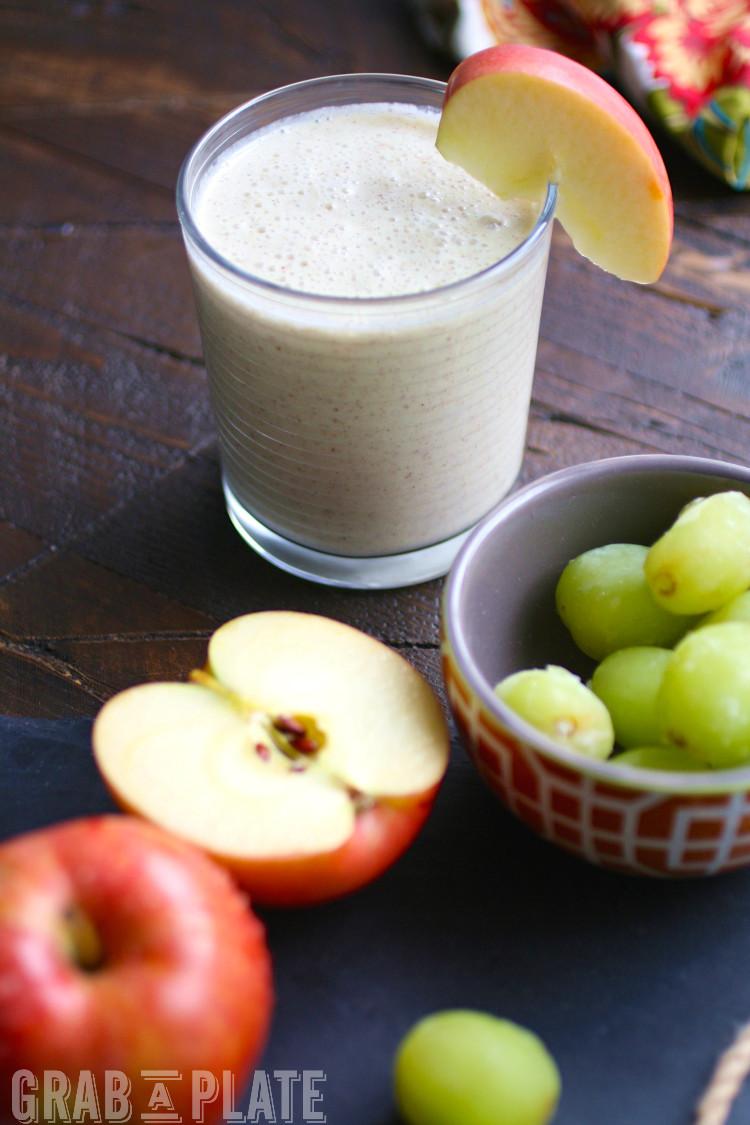 Breakfast Healthy Smoothie: Apple Honey Grape