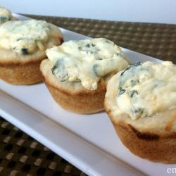 Baked Mini Bread Bowls with Spinach Dip