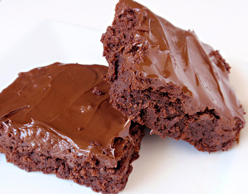 Soft and Chewy 3 Ingredient Nutella Brownies 1