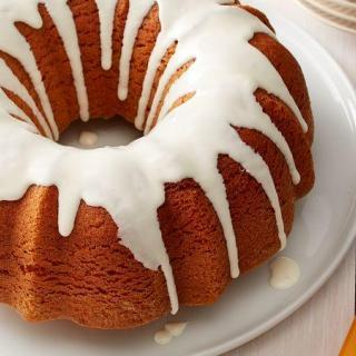 Pumpkin Pound Cake with Cream Cheese Glaze