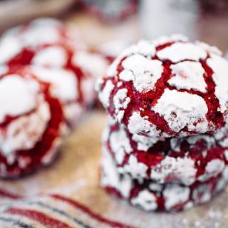 Super Easy Red Velvet Crinkle Cookies