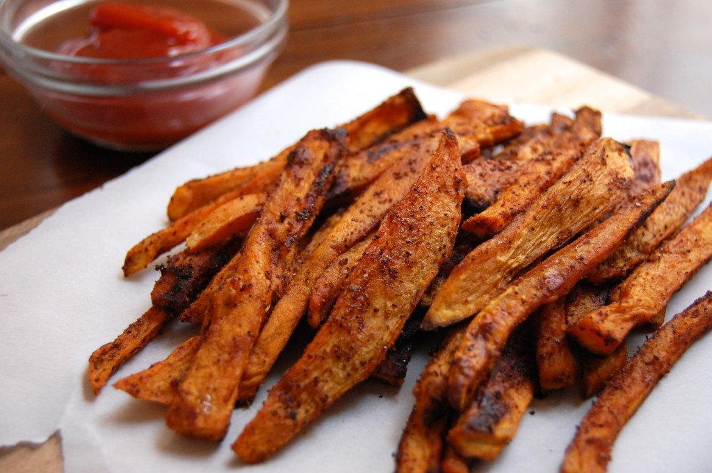 Sweet and Spicy Baked Sweet Potato Fries