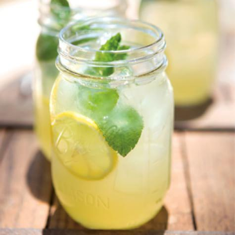 Refreshing Mint Lemonade Summer Drink