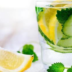 Cucumber and Lemon Detox Juice Recipe