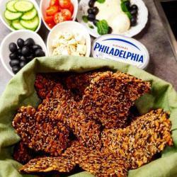 Delicious & healthy glutenfree crispbread with seeds & sea salt