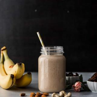 Raisins and Dried Apricots Smoothie Recipe
