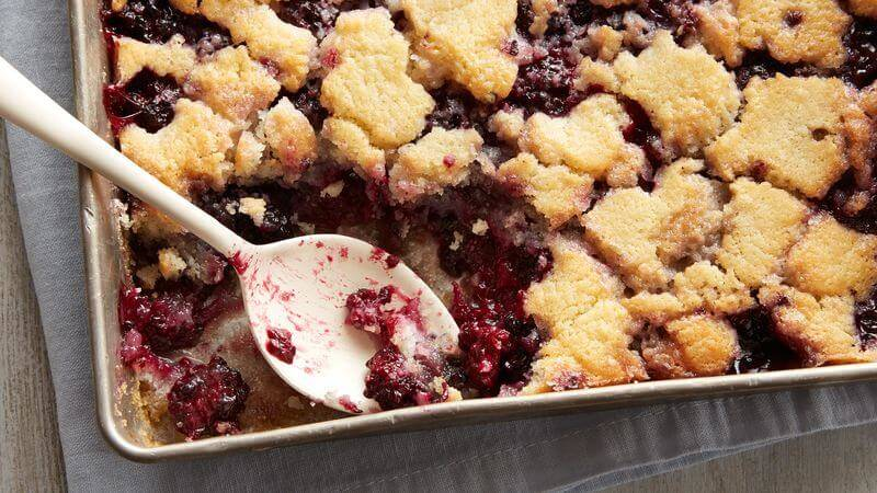 Mouthwatering Delicious Blackberry Cobbler Recipe