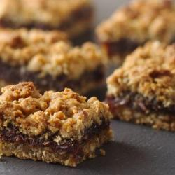 Delicious and Fast Date Bar Recipe