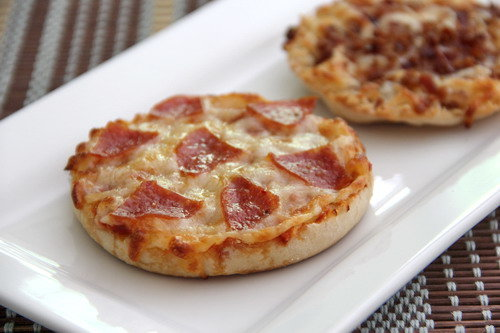 Tasty English Muffin Pizza Recipe