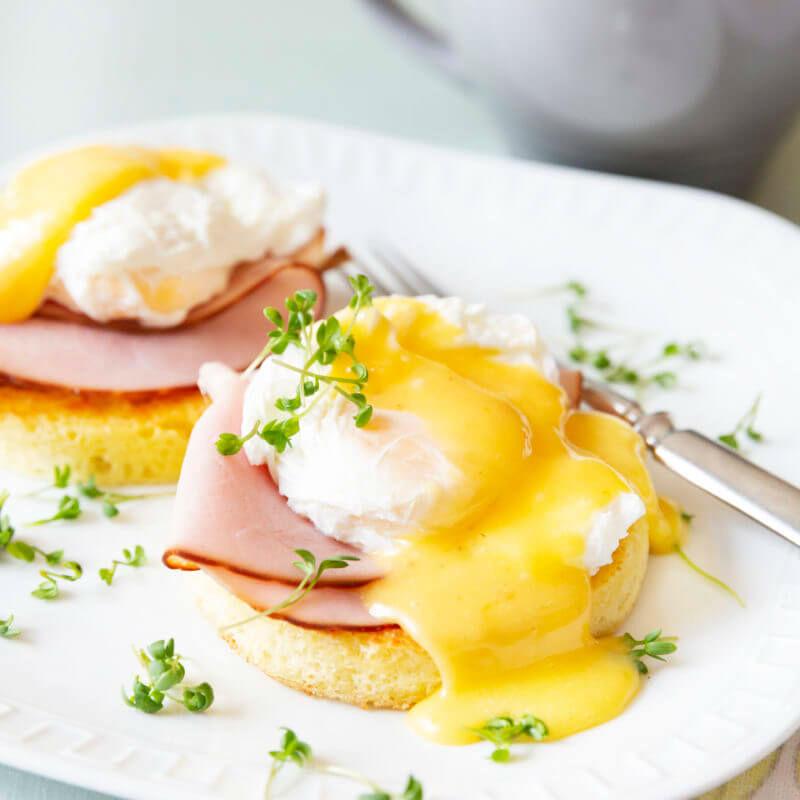 Keto eggs Benedict
