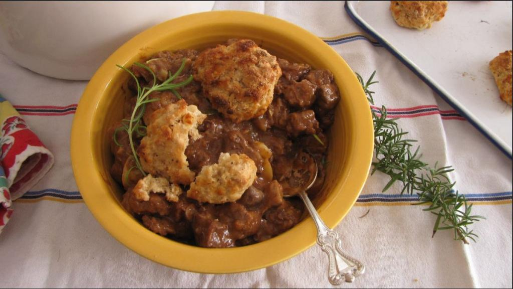 Hearty Beef Stew With Cheddar Biscuits 1