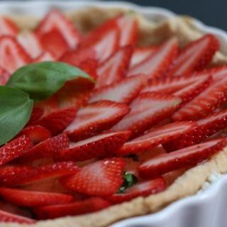 Stawberry Basil Goat Cheese Tart Recipe