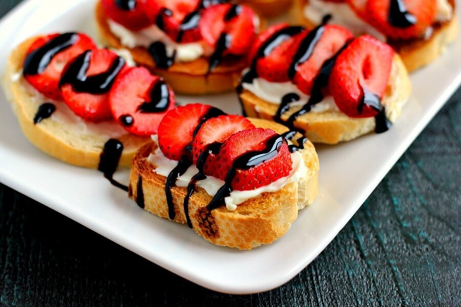 Strawberry Brie Crostini Recipe