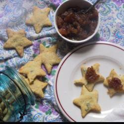 Blue Cheese Crackers With Pear Compote Recipe