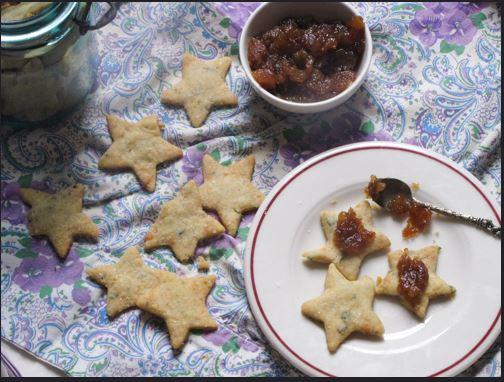 Blue Cheese Crackers With Pear Compote Recipe 7