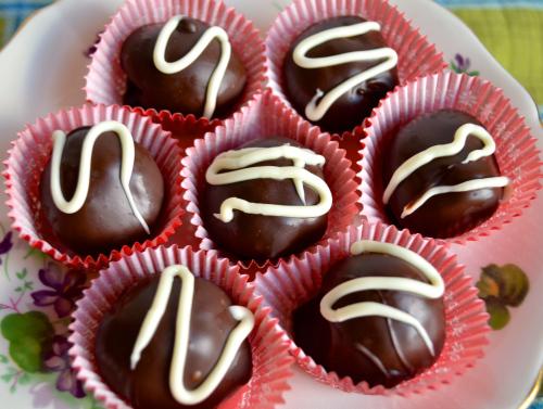 Candy Cane Truffles Recipe 4