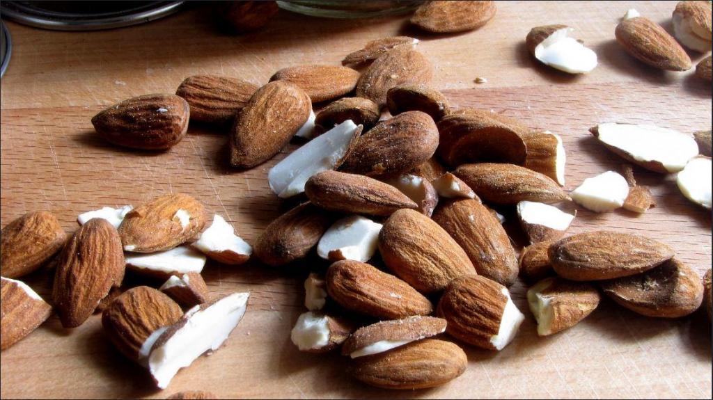 Salted Almond Honey Brittle Recipe 1