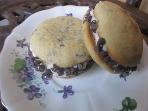 Tiramisu Whoopie Pies Recipe