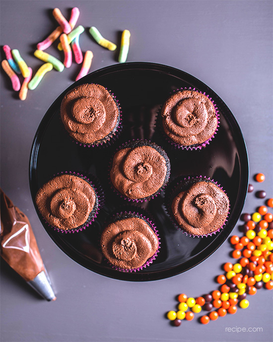Chocolate Halloween Cupcakes With Chocolate Ganache Frosting 2
